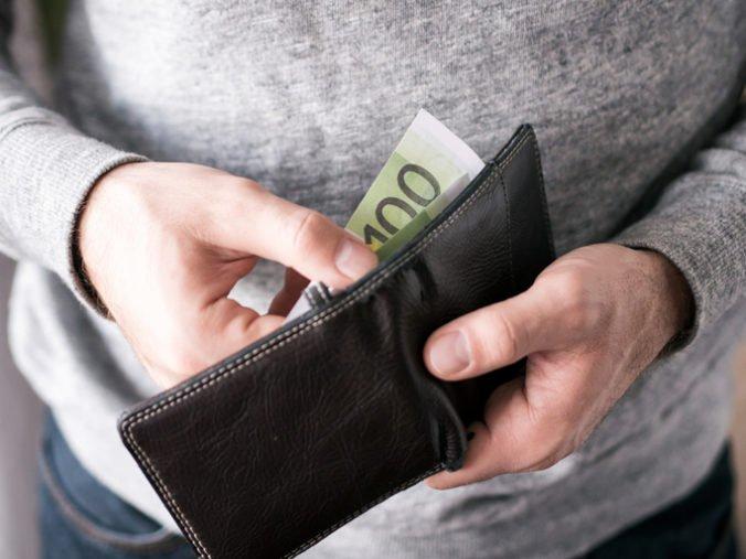 S vyššou minimálnou mzdou rastú ďalšie príplatky, Klub 500 sklamalo rozhodnutie Pellegriniho vlády