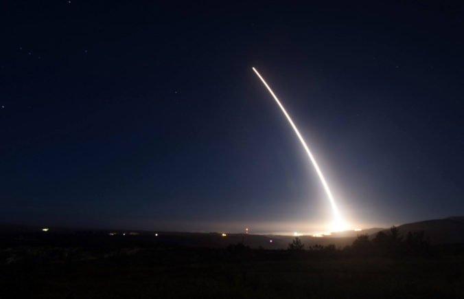 USA otestovali medzikontinentálnu balistickú raketu Minuteman 3, niesla skúšobné návratové telesá