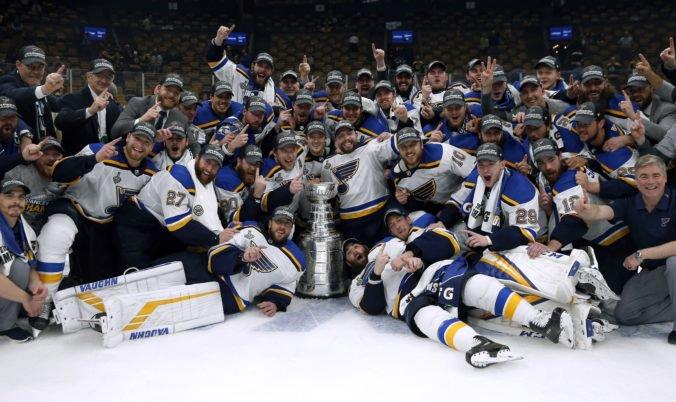 Zápas v Prahe, deväť Slovákov a široký okruh favoritov na Stanley Cup. Štartuje nová sezóna NHL