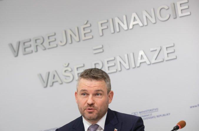 Pellegrini chce odpolitizovať tému minimálnej mzdy, mala by byť stanovená vzorcom