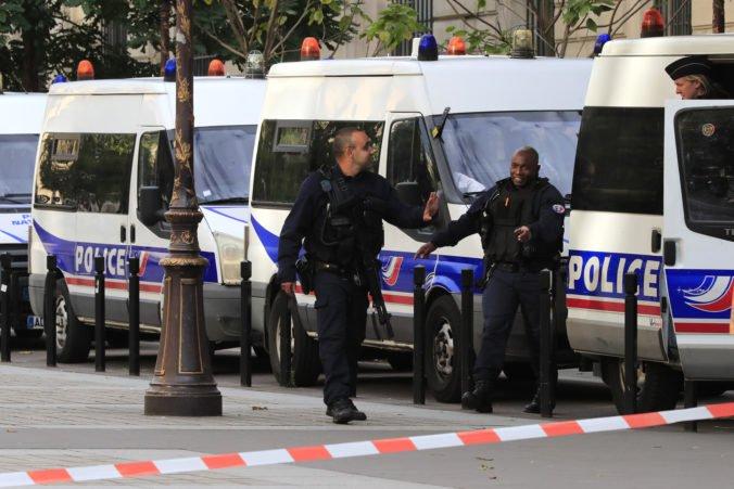 Zamestnanec polície, ktorý v Paríži nožom zabil štyroch kolegov, vyznával radikálny islam