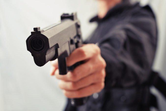 Mladý muž v Rakúsku zabil expriateľku s novým priateľom a jej rodinou, k vraždám sa priznal
