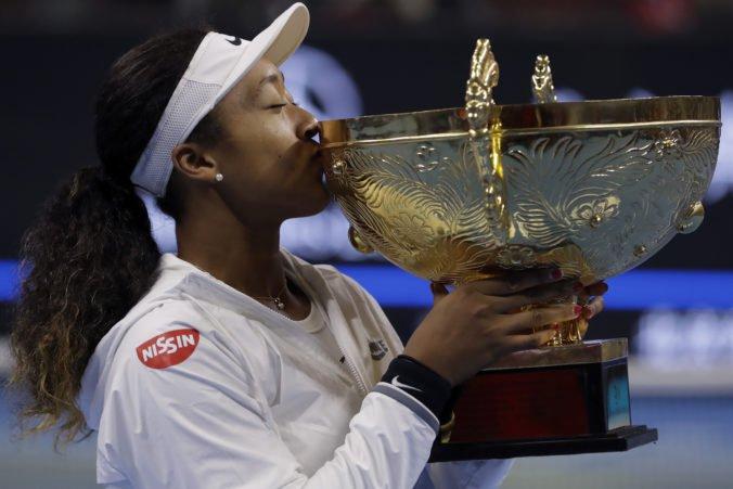 Naomi Osaková získala druhý titul za sebou, vo finále zdolala svetovú jednotku