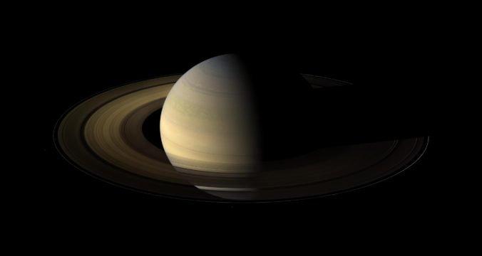 Saturn predbehol Jupiter, vedci objavili jeho dvadsať nových mesiacov