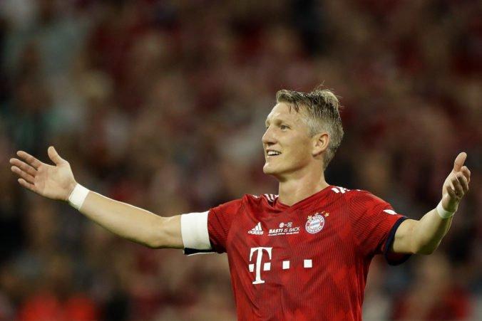 Bastian Schweinsteiger zavesil kopačky na klinec a dal zbohom kariére ovenčenej titulmi