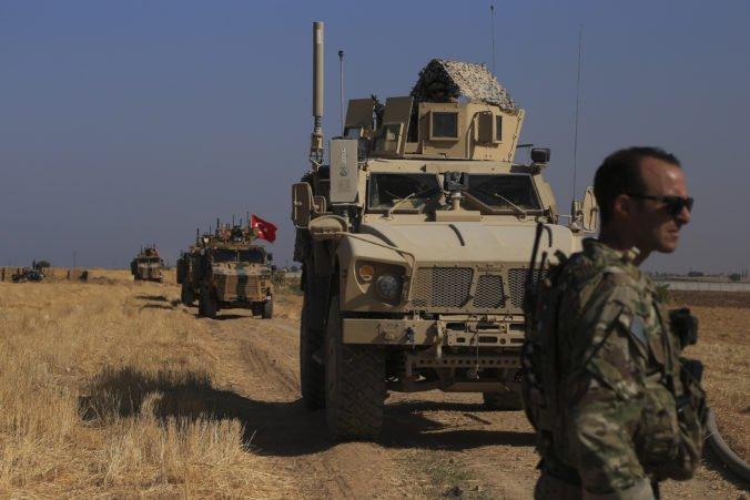 Turecká armáda sa chystá vstúpiť do Sýrie, kurdská správa vyhlásila mobilizáciu pozdĺž hranice