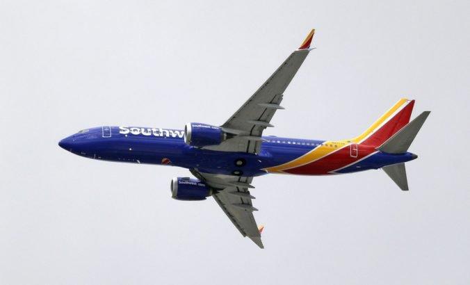 Americká aerolinka uzemnila ďalšie Boeingy, na trupe lietadiel našli praskliny