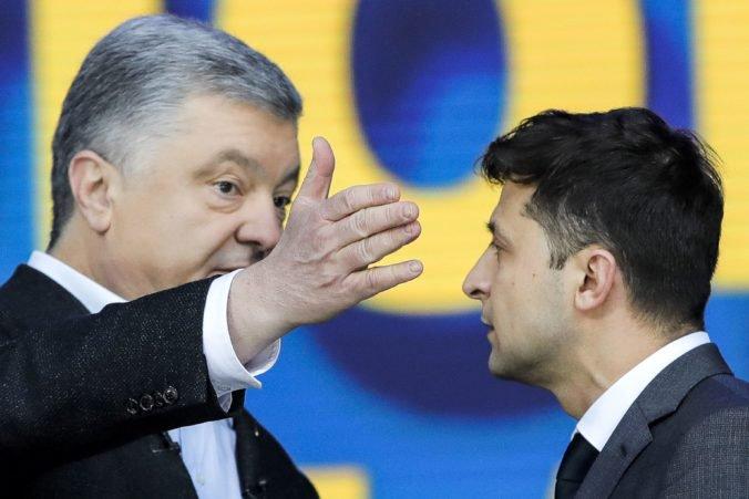 Prezident Zelenskij obvinil Porošenka, že sa snaží prekaziť mierový proces na východe Ukrajiny
