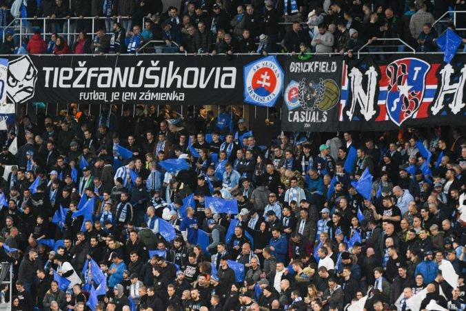 Slovan zaplatí pokutu za správanie fanúšikov, disciplinárka potrestala aj trnavský Spartak
