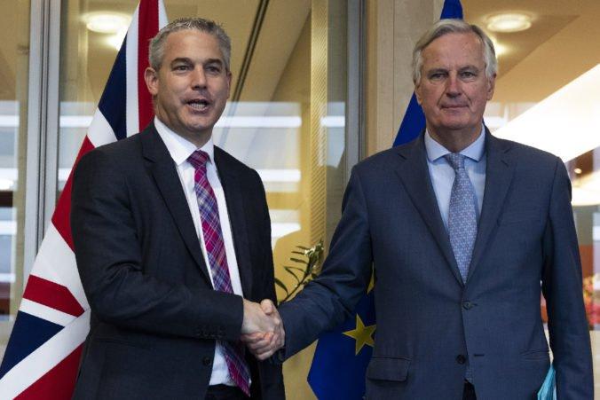 V Bruseli pokračujú rokovania o brexite, podľa Johnsona existuje cesta k oneskorenej dohode