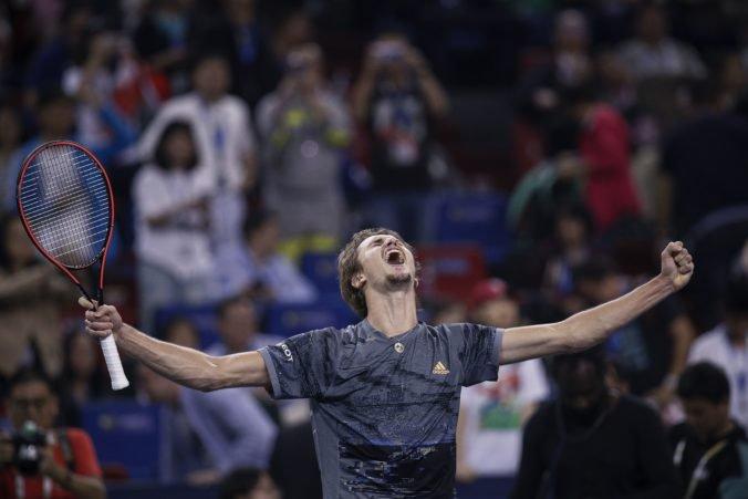 Zverev na turnaji Masters v Šanghaji vyradil Federera, využil až šiesty mečbal
