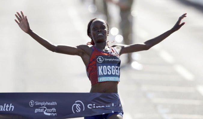 Video: Keňanka Brigid Kosgeiová vytvorila v Chicagu nový ženský svetový rekord v maratóne