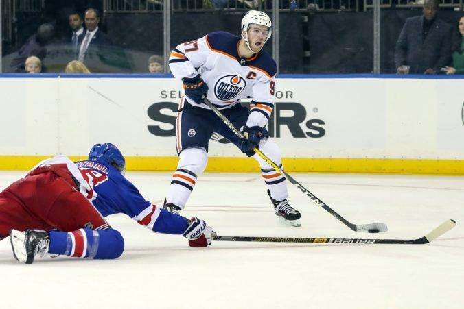Vyhlásili tri hviezdy týždňa v NHL, jednotkou Connor McDavid