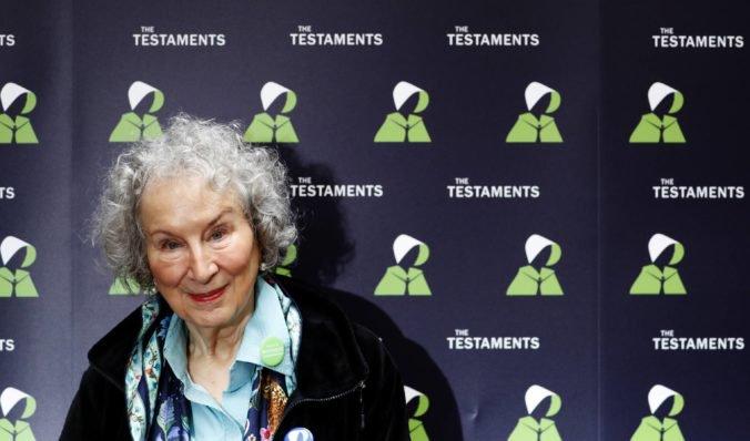 Booker Prize vyhrali Margaret Atwood a Bernardine Evaristo, porota musela porušiť pravidlá
