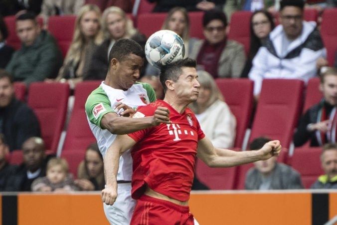Lewandowski vyrovnal rekord Aubameyanga v Bundeslige, ale Bayern v Augsburgu nezvíťazil
