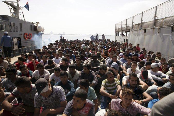 Slovenským europoslancom sa nepozdáva návrh na rozdelenie zachránených migrantov