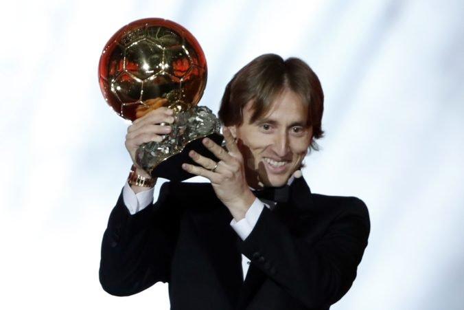 Modrič chýba medzi nominovanými na Zlatú loptu, v tridsiatke dominujú hráči Liverpoolu