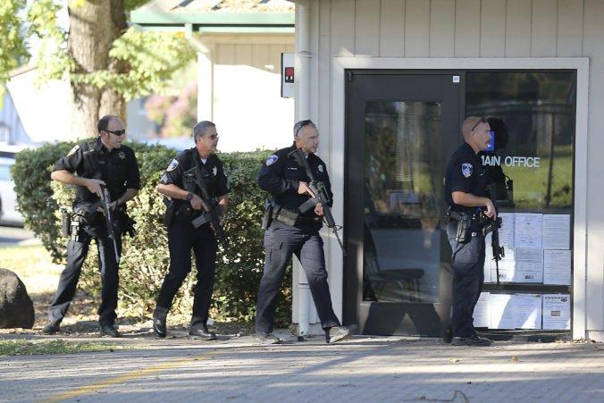 Po streľbe na strednej škole v kalifornskom meste Santa Rosa zostal jeden zranený