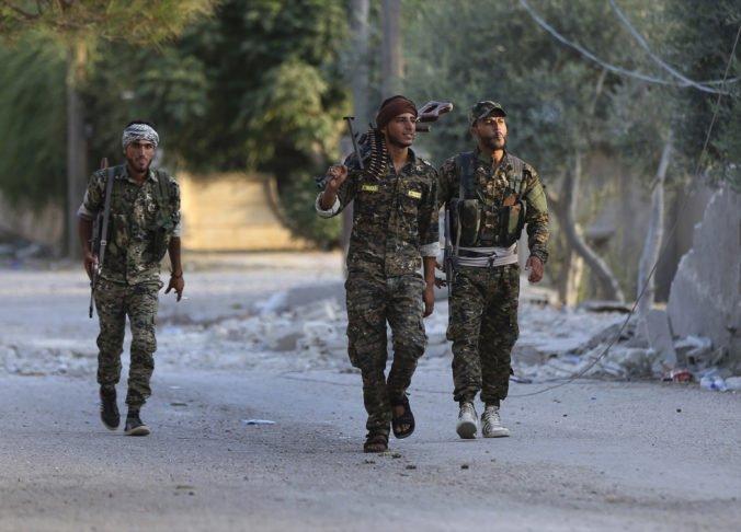 Všetci kurdskí bojovníci sa už stiahli z oblasti pri hraniciach Sýrie s Tureckom