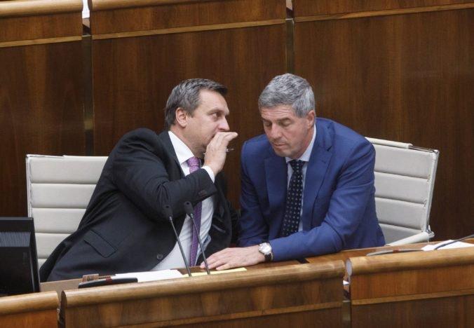 Most-Híd nepodporil Dankove návrhy, ale koalícia podľa Bugára funguje