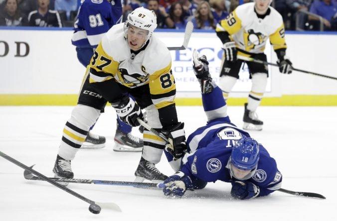 """Video: Detroit ťahá v NHL čiernu sériu, Černák rozdal dva """"hity"""" a Crosby už nazbieral 1230 bodov"""