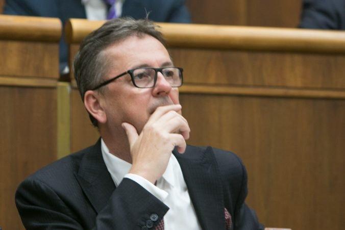 Glváč bude čeliť odvolávaniu, opozícia vyzbierala podpisy na mimoriadnu schôdzu