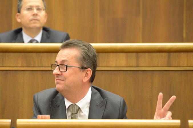 Glváča budú odvolávať v utorok, ešte pred mimoriadnou schôdzou zasadne koaličná rada