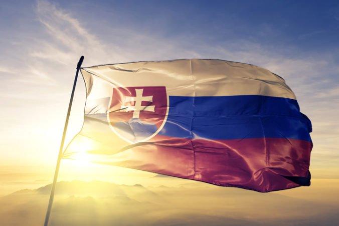 Slovensko dobieha Česko veľmi pomaly, môžu za to vyššie dane aj problémy v súdnictve