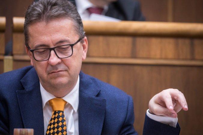 Glváč sa v krátkom čase rozhodne, či odstúpi z funkcie podpredsedu parlamentu