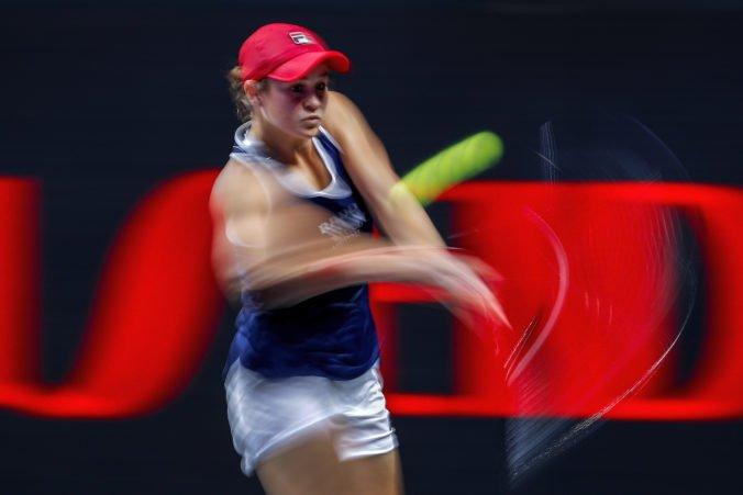 Video: Červená skupina WTA Finals je otvorená, po prehre Bartyovej majú šancu na postup všetky hráčky