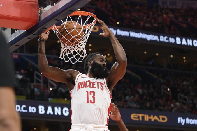 Video: Houston a Washington predviedli kanonádu a prepísali historické štatistiky v NBA