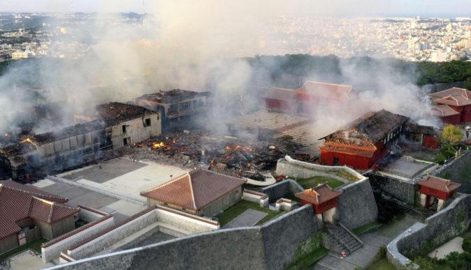 Video: Veľký požiar takmer zničil hrad Šuri, ľudia pri pohľade na pamiatku plakali