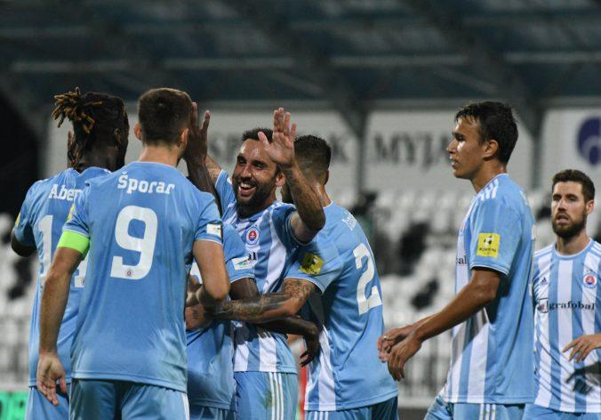 Slovan zdolal Senicu a upevnil si pozíciu lídra Fortuna ligy, DAC remizoval so Sereďou