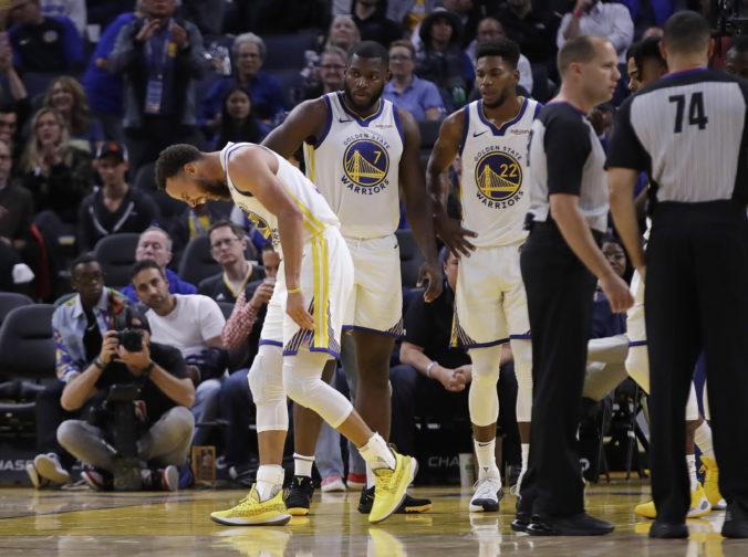 Stephen Curry má za sebou operáciu zlomeniny, líder Warriors vynechá približne tri mesiace