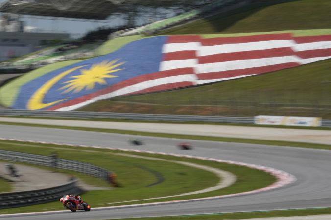 Video: Mladý indonézsky motocyklista zahynul po páde na okruhu v malajzijskom Sepangu