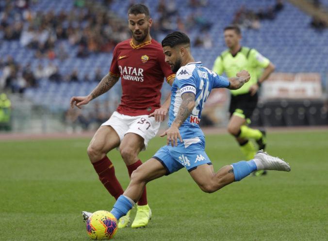 Zápas talianskej Serie A medzi AS Rím a Neapolom prerušili pre rasistické pokriky divákov