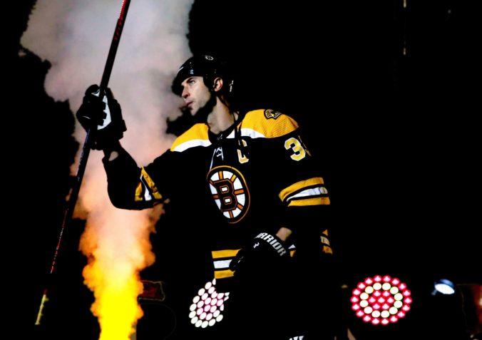 Bostonu sa v tejto sezóne NHL zatiaľ darí, ale každý triumf je podľa kapitána Cháru náročný