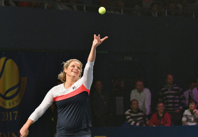 Tenistka Clijstersová musí odložiť návrat na kurty pre zranenie kolena