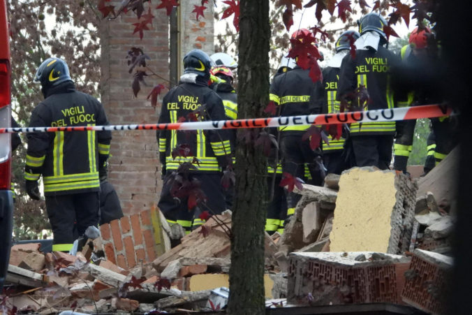Budovou na farme v Piemonte otriasol výbuch, o život prišli traja hasiči