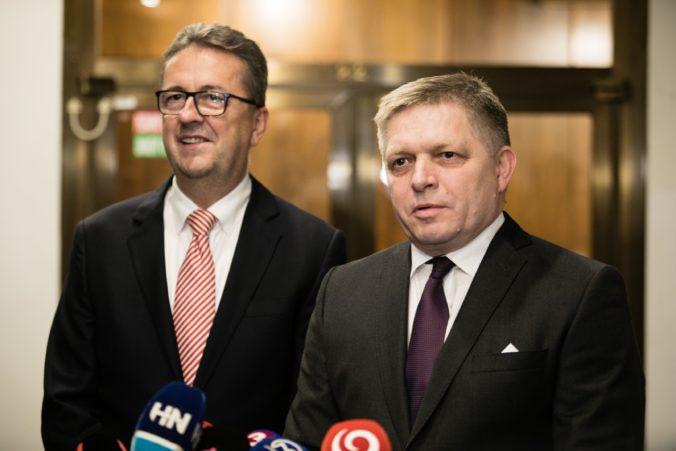 Fico bude rešpektovať každé rozhodnutie Glváča, jeho zotrvanie vo funkcii aj odchod