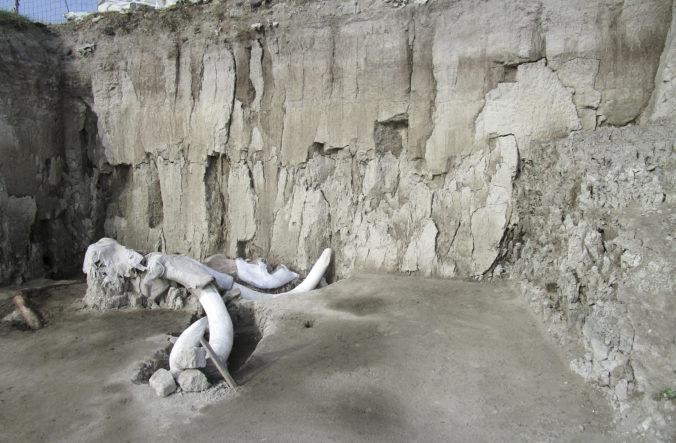 Video: Objavili dve pasce na mamuty, ktoré ľudia vykopali pred 15-tisíc rokmi