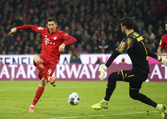 Bayern Mníchov v I. bundeslige deklasoval Dortmund, Duda pri nezdare Herthy sedel na lavičke
