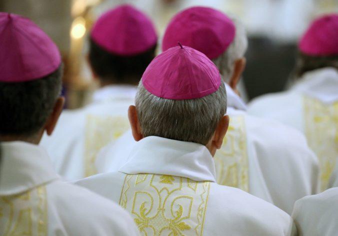 Obete sexuálneho zneužívania kňazmi finančne odškodnia, biskupi vytvoria špeciálny fond