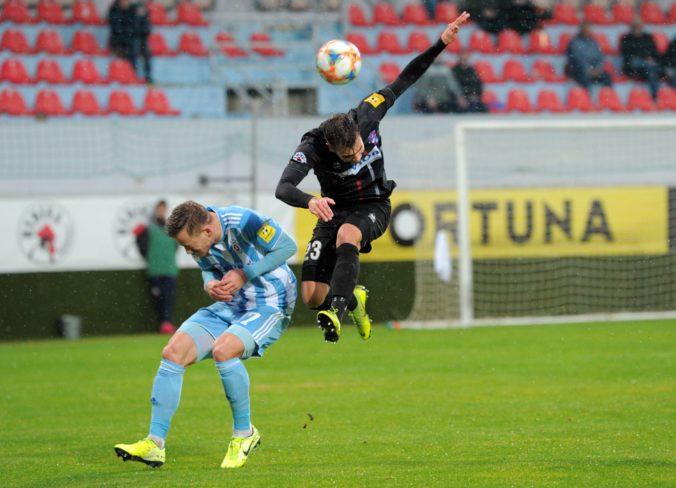 Slovan Bratislava naplno bodoval aj v Zlatých Moravciach, víťazstvo zariadil Holman
