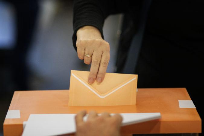 Španielski voliči druhýkrát v tomto roku hlasujú v parlamentných voľbách