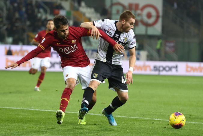 Video: Kucka sa tešil z triumfu Parmy nad AS Rím, Juventus tesne zdolal AC Miláno