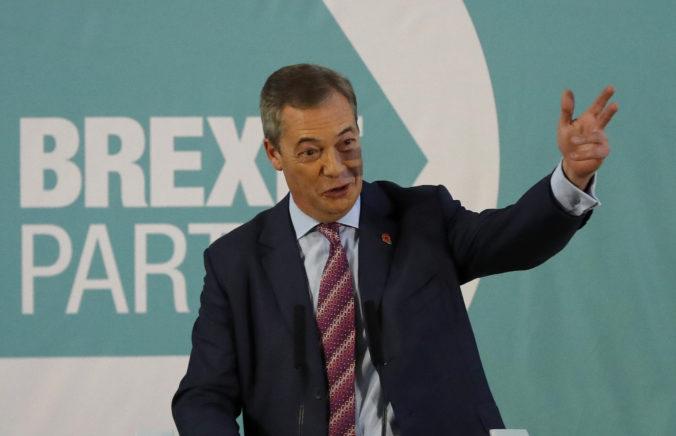 Farageova strana Brexit zmenila stratégiu, v predčasných voľbách nebude bojovať o stovky kresiel