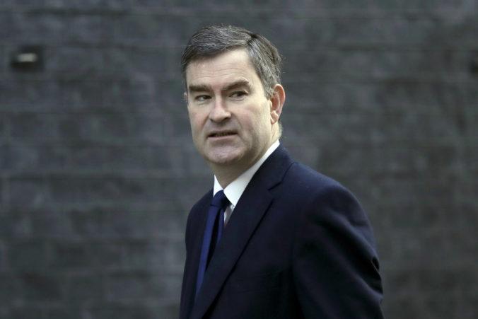 Ak vo voľbách vyhrajú konzervatívci, bude to podľa bývalého ministra Gaukeho pre Veľkú Britániu katastrofa