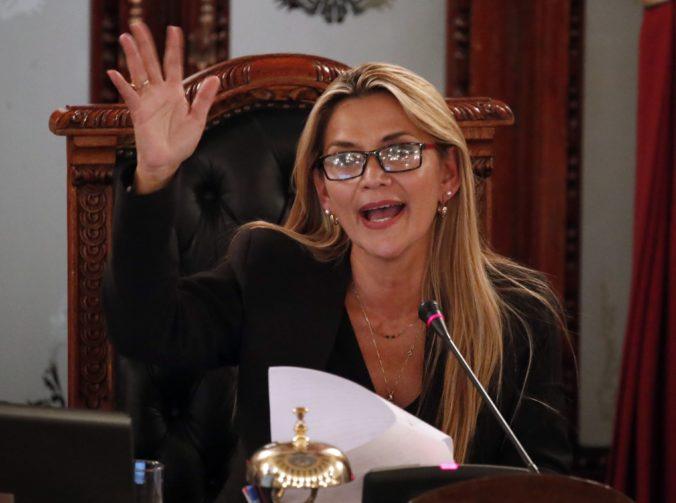 Áňez sa vyhlásila za dočasnú prezidentku Bolívie a chce vyhlásiť nové voľby