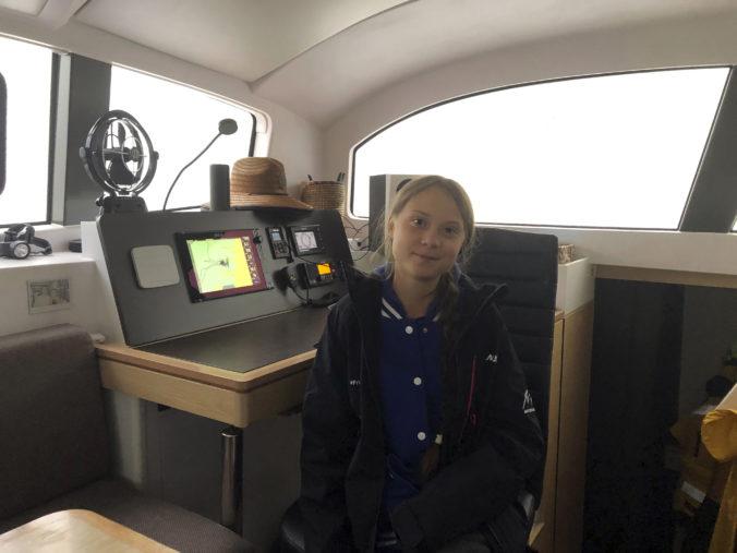 Video: Aktivistka Greta Thunberg opäť prepláva Atlantik, do Španielska pocestuje katamaranom
